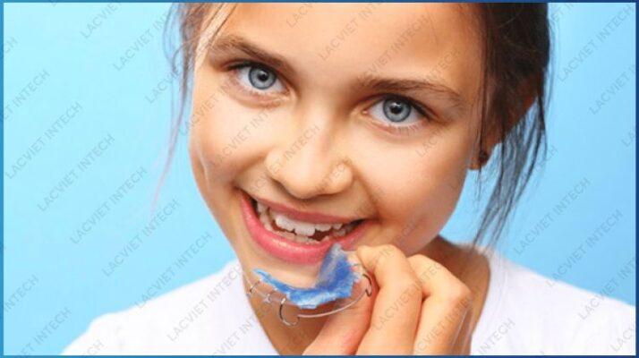 Hình ảnh: các loại khí cụ nẹp răng tháo lắp