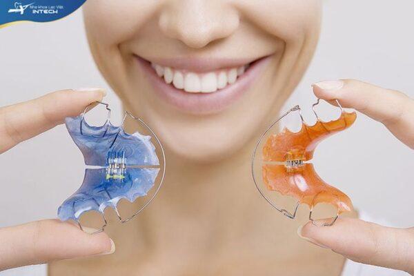 Đeo hàm duy trì giúp bạn làm cải thiện hàm răng bền bỉ hơn